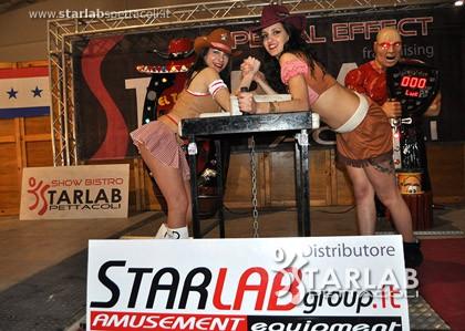 Tavolo da braccio di ferro over the top starlab spettacoli - Tavolo braccio di ferro ...