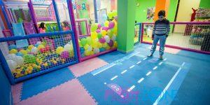 Pavimento interattivo di gioco
